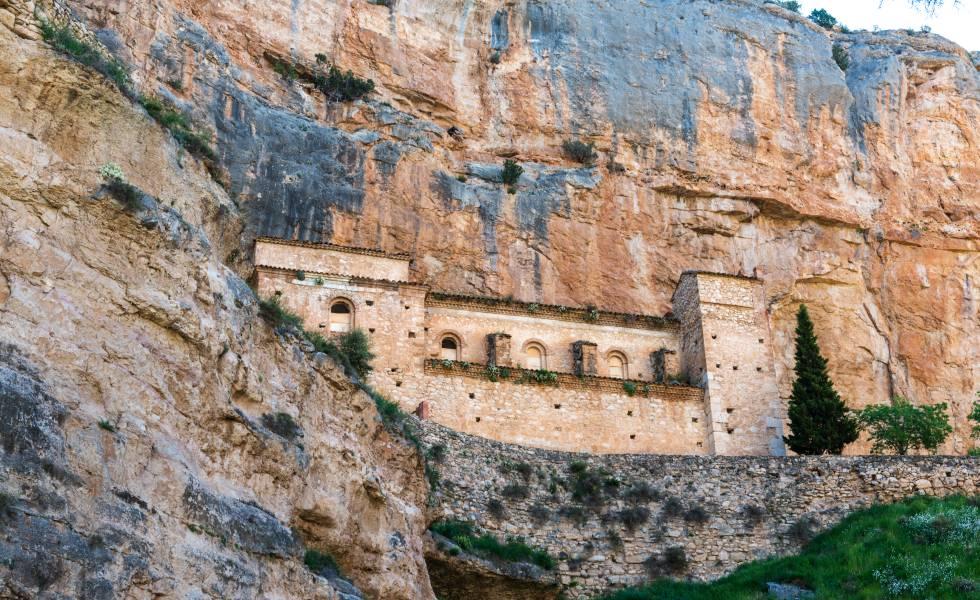 El santuario de Nuestra Señora de Jaraba, en el barranco de la Hoz Seca.