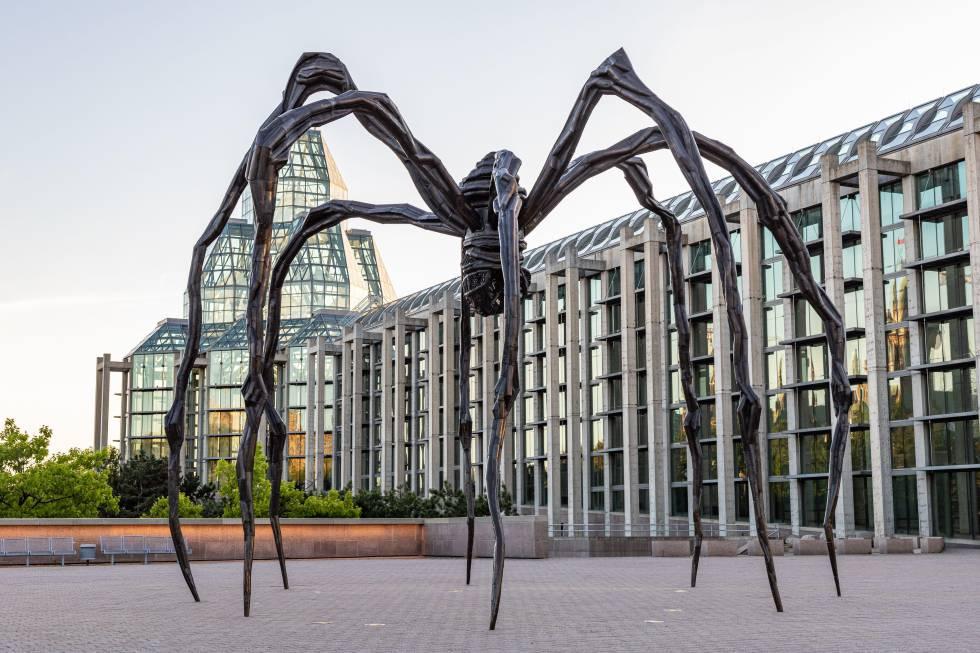 'Maman', escultura de Louise Bourgeois junto a la National Gallery de Ottawa.