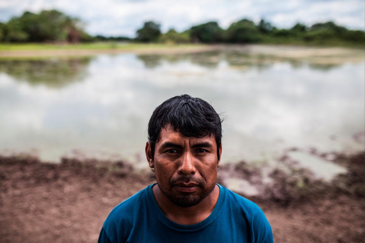 Amancio, referente de la comunidad wichi y uno de los pocos hombres que quedan viviendo allí.