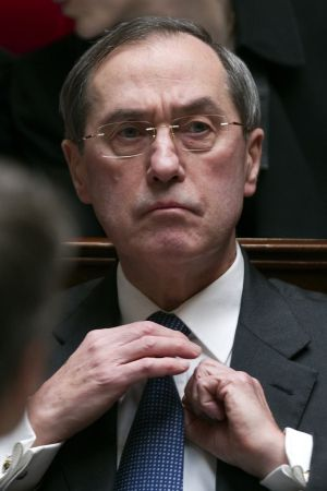 El ministro del interior franc s alienta la deriva for Nombre del ministro del interior actual