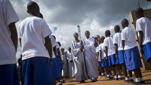 Ruanda, la reconciliación vigilada