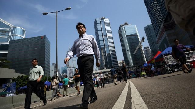 Hong Kong volta à rotina.