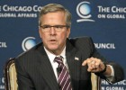 Jeb Bush intenta alejarse de la sombra familiar