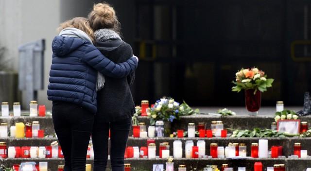 Altar no colégio de Haltern, de onde eram as duas professoras e 16 jovens mortos no acidente.