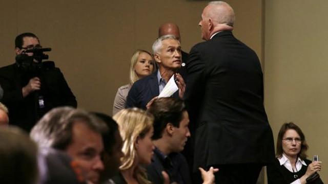 Donald Trump expulsa de una rueda de prensa al periodista Jorge Ramos