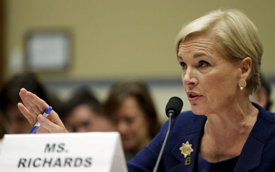 La presidenta de Planned Parenthood, Cecile Richards, testifica ante el Congreso.
