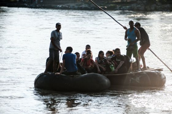 Ecuador pone coto a la llegada de cubanos