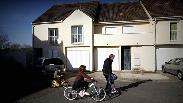 Casa em Madeleine (Chartres) onde viveu por três anos um dos terroristas.