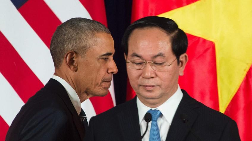Estados Unidos suspendem embargo de armas ao Vietnã após 32 anos