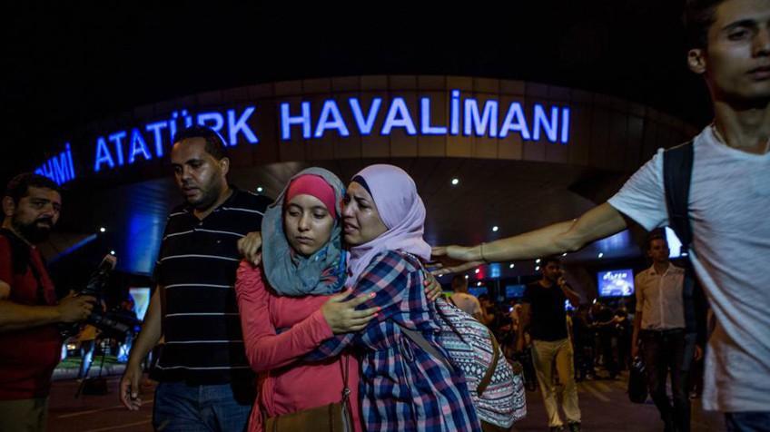 Un atentado suicida causa 41 muertos en el aeropuerto de Estambul