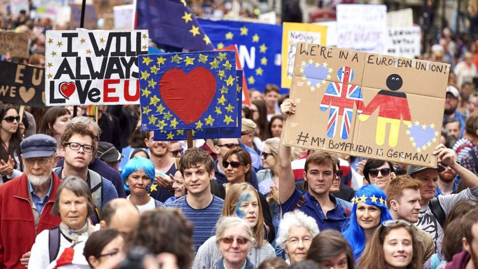 Decenas de miles de personas marchan en Londres contra el 'Brexit'