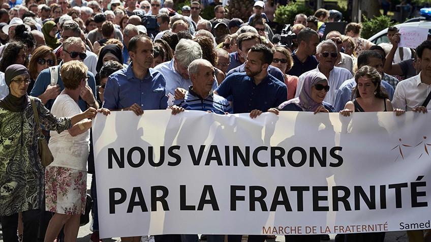 Manifestação contra o terrorismo em Lyon.