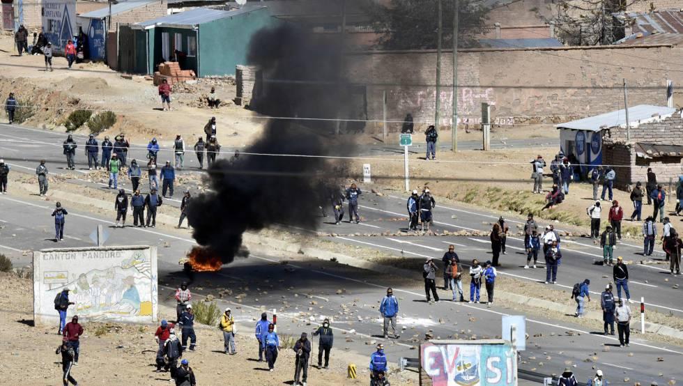 Un enfrentamiento entre policías y mineros en Bolivia.