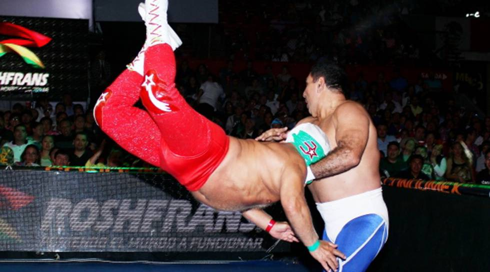Lance de 'Super Astro' a 'Blue Panther'.