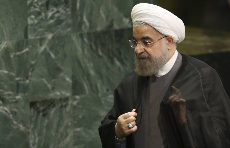 Hasan Rohaní, presidente de Irán, se baja del atril de la Asamblea General de la ONU, este jueves.