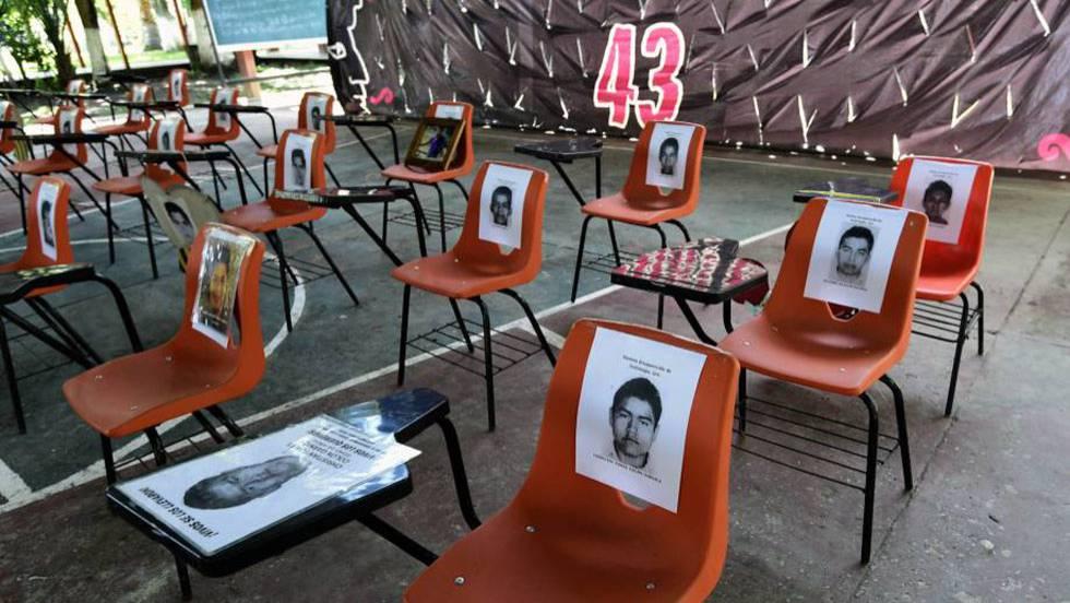 Ayotzinapa en cenizas