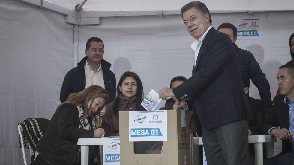 Santos votando neste domingo. SAÚL RUIZ
