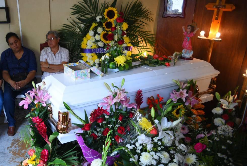 Funeral de Génesis Deyanira Urrutia