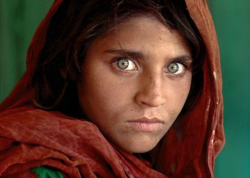 Detenida en Pakistán la niña afgana de 'National Geographic' por documentos falsos