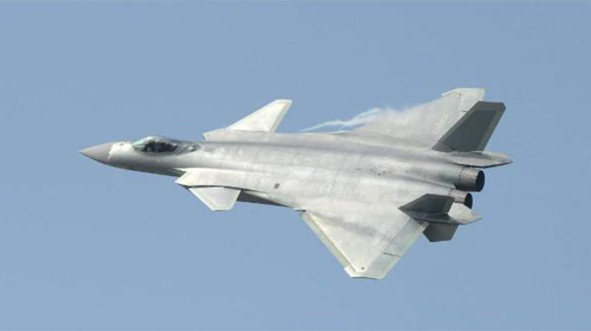 China presenta el J-20, su avión de combate 'invisible' a los radares