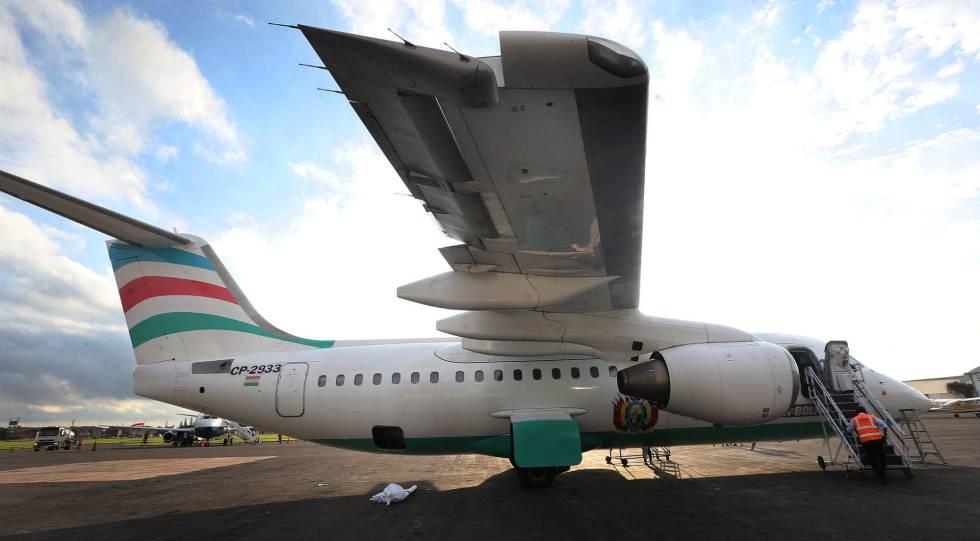 Autoridades de Brasil, Colômbia e Bolívia investigarão o acidente do avião da empresa LaMia, que deixou 71 mortos.