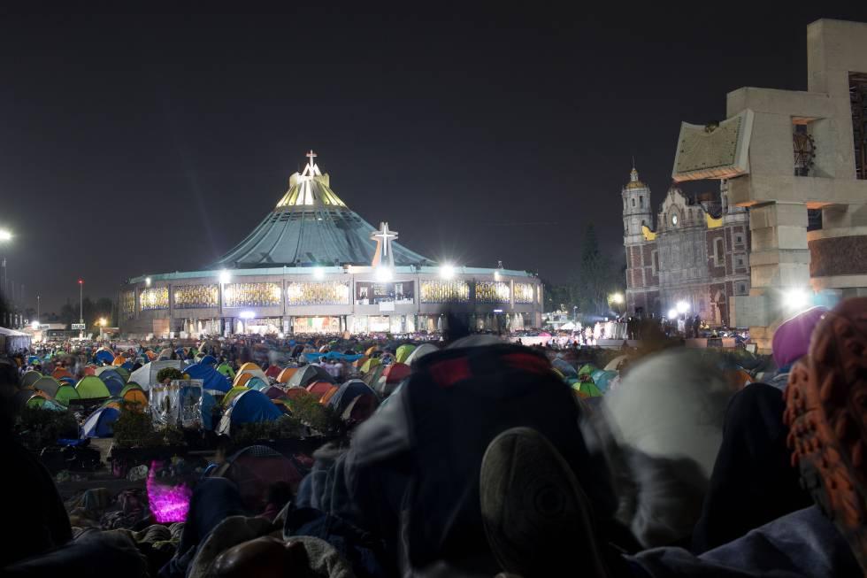 Basílica: México se vuelca para festejar a la Virgen de Guadalupe    Internacional   EL PAÍS