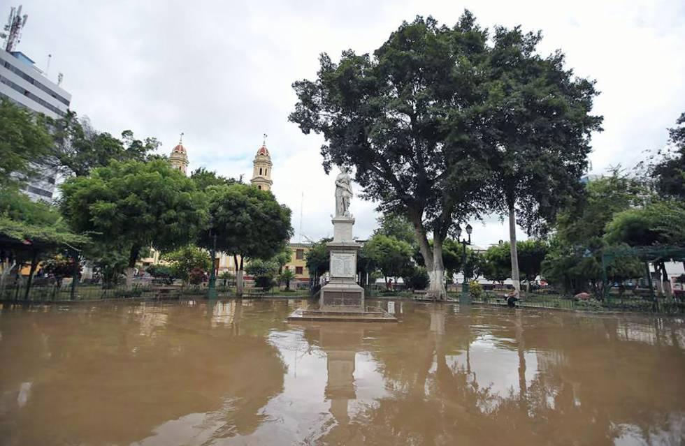 En Peru Las Fuertes Lluvias Asolan La Region De Piura Internacional El Pais