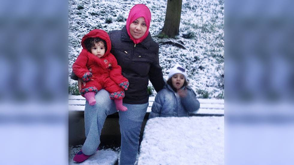 Syrian refugee Halima Nordin with her children in Saarbrüken, Germany, winter 2016