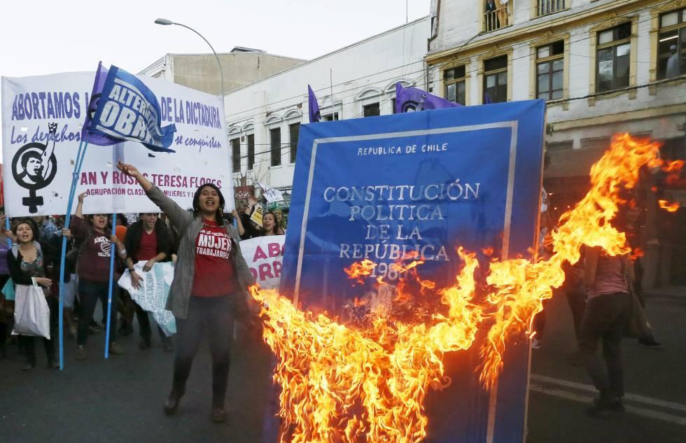 Resultado de imagen para constitucion chile
