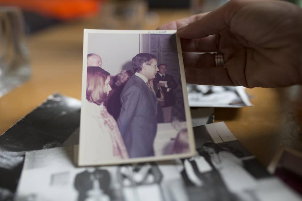 Miguel Etchecolatz en una foto familiar.
