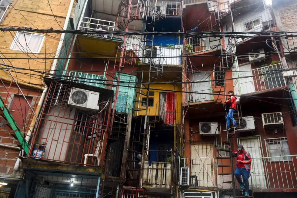 Argentina entrega certificados de vivienda a 1 5 for Villas en argentina