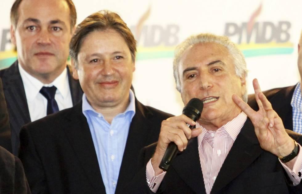 Michel Temer ao lado de Rodrigo Rocha Loures durante ato em maio de 2014 em Curitiba