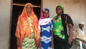 Desde la izquierda, Bouba Rabiatou, Umaru Djaratu y Maimouha Zaoro.
