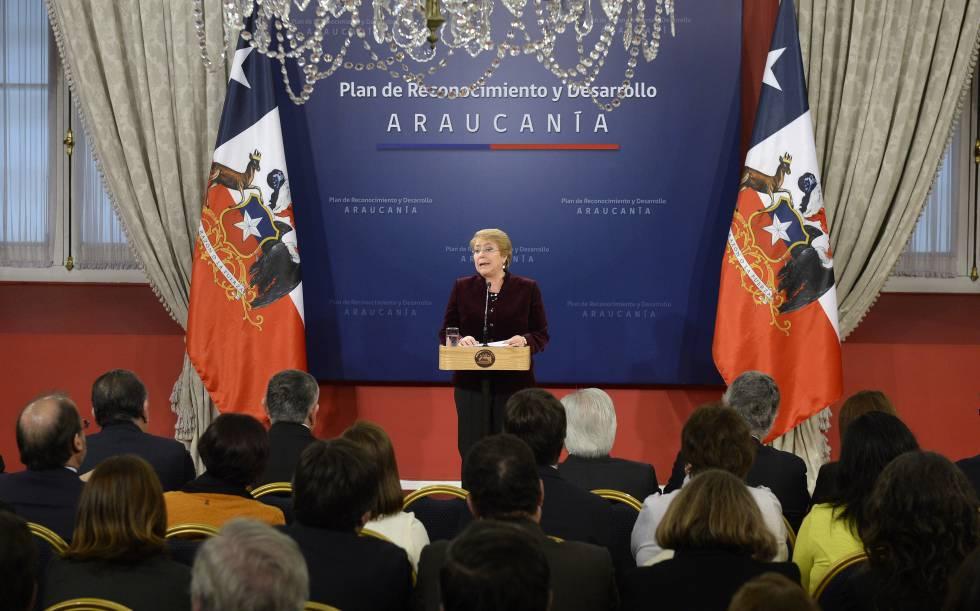 """cb3c12c9ce Bachelet pide perdón a los mapuches """"por los errores y horrores ..."""