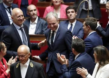 Un veterano dirigirá el Parlamento francés, dominado por los novatos de Macron