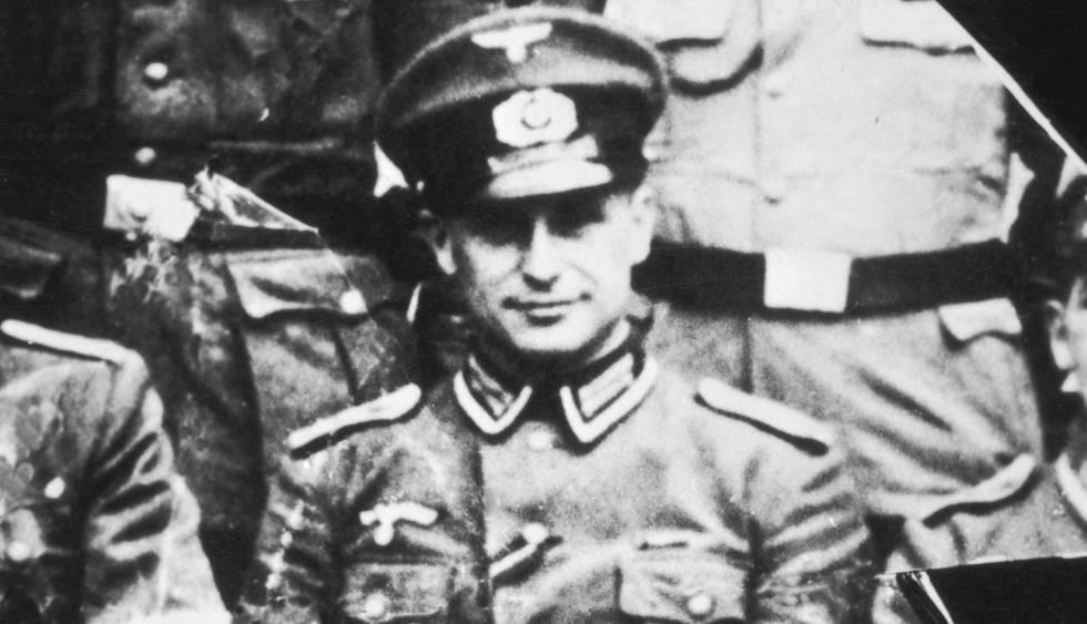 Klaus Barbie, con uniforme del ejército alemán, en 1944.