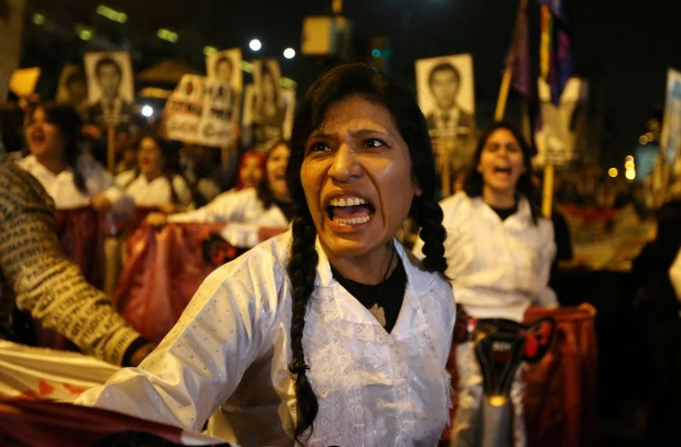 Risultati immagini per Miles marchan en Perú contra el posible indulto a Fujimori