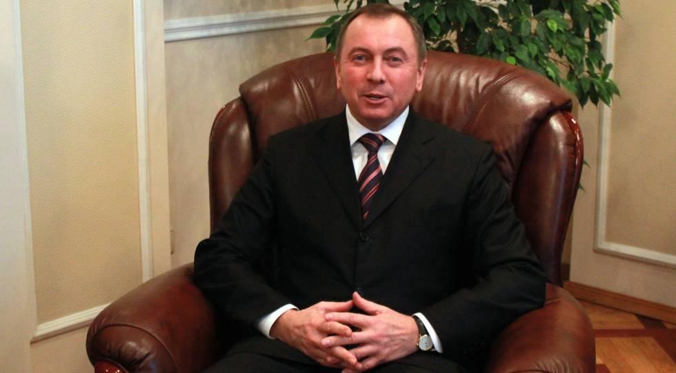 Vladímir Makei se dirige a los medios en una imagen de archivo.