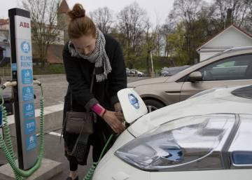 Los Gobiernos se suben al coche eléctrico