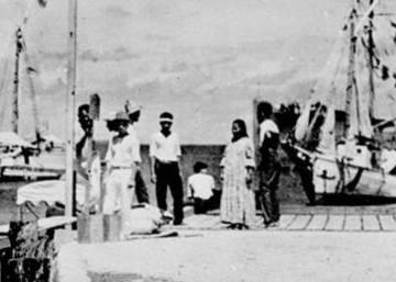 Una foto, otro misterio: ¿Es la chica que está de espaldas la desaparecida Amelia Earhart?