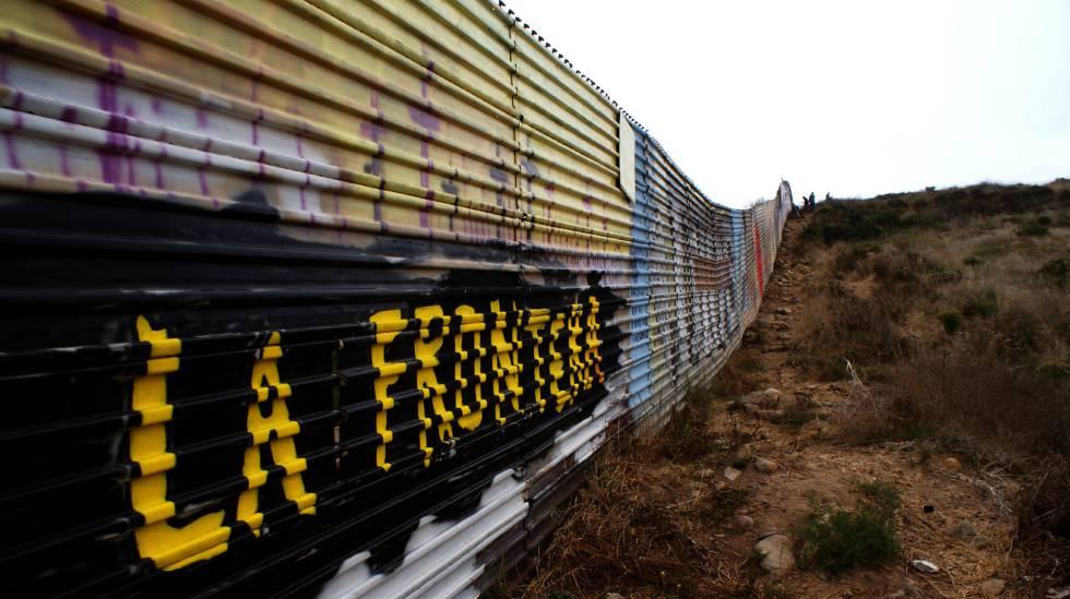 Tramo del muro de la franja fronteriza de Tijuana, México