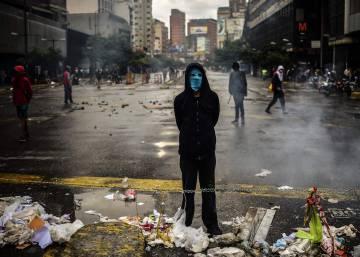 Doce meses de deterioro político y social en una Venezuela dividida