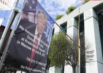 El Gobierno de Polonia sí recibe a Trump con los brazos abiertos