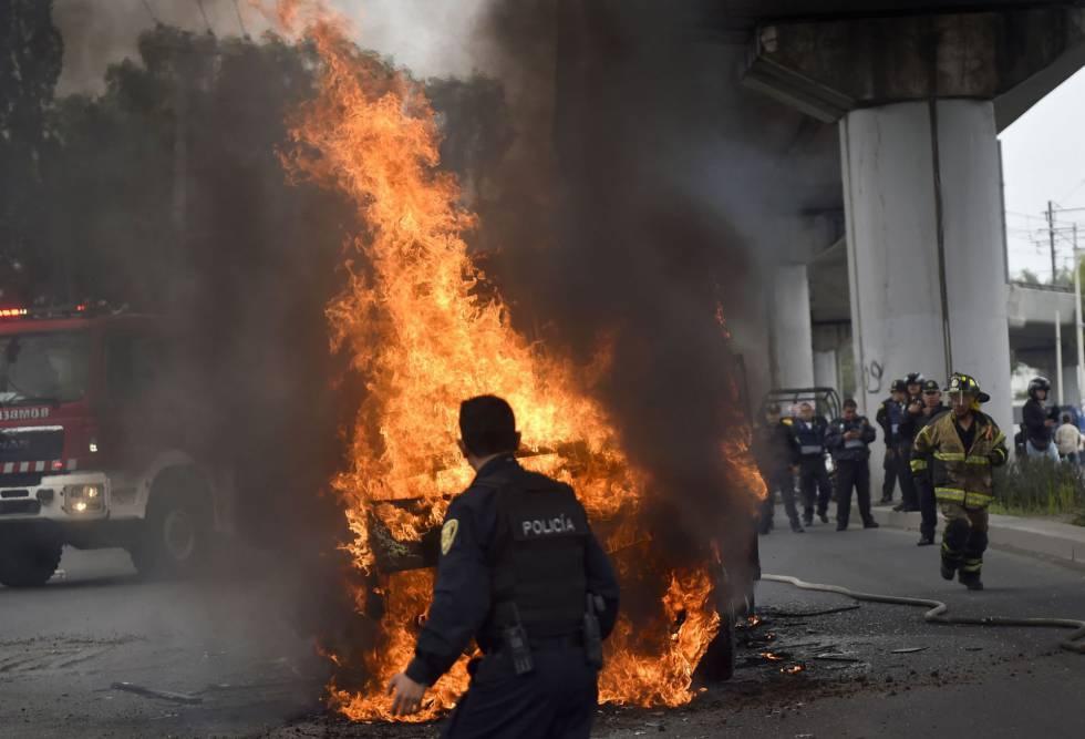Una de las avenidas bloqueadas en la Ciudad de México.
