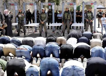 Israel reabre tras un ataque la mezquita de Al Aqsa pero con más controles a los fieles