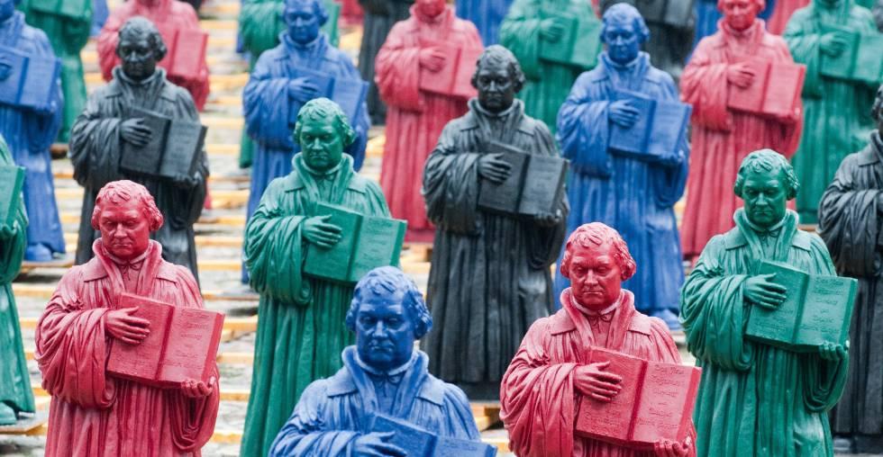 Instalación del artista alemán Ottmar Hörl hecha con 800 figuras de Martín Lutero y expuesta en la ciudad alemana de Wittenberg en agosto de 2010.
