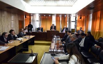 Leitura da sentença contra quatro juízes da ditadura argentina.