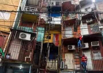 Argentina La Boca El Barrio De Buenos Aires Que Junta A Turistas