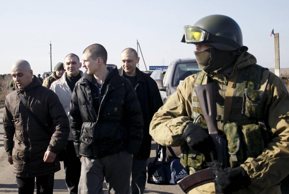 Intercambio de prisioneros entre Donetsk y Ucrania en febrero de 2016.