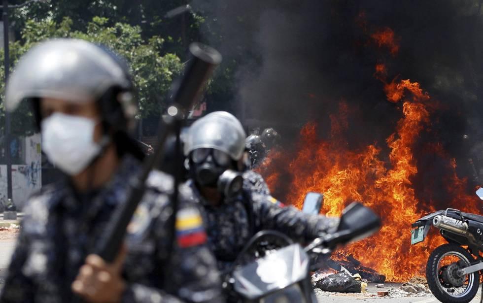 Violência e abstenção na votação da Constituinte de Maduro